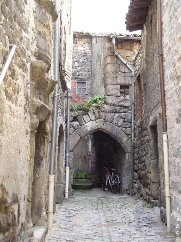 Les plus beaux sites de france en loire - Office de tourisme saint bonnet le chateau ...