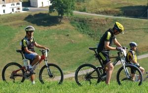 """<p>Au coeur du massif des Vosges et aux portes de l'Alsace, la commune de Saint-Dié-des-Vosges est idéalement située pour la pratique de la randonnée en VTT. Trois massifs entourent le village vacances Cap France – la Bolle, la Madeleine, le Kemberg, le Haut-Jacques, et perme ......</p><div class=""""more""""><a href=""""https://ffvelo.fr/randonner-a-velo/vtt/bases-vtt/vosges/relais-cap-france/"""" target=""""_blank"""" title=""""Relais Cap France – La Bolle"""" >Lire la suite</a></div>"""