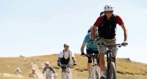 """<p> Bienvenue à Montgenèvre, station en pleine montagne, à cheval entre la France et l'Italie ! Votre Village Club est le point de départ pour de nombreuses randonnées d'exception : découverte d'un vallon glaciaire, bascule sur le Piémont italien, retour aux sources de la Durance…  ......</p><div class=""""more""""><a href=""""https://ffct.org/randonner-a-velo/vtt/bases-vtt/hautes-alpes/village-club-du-soleil/"""" target=""""_blank"""" title=""""Les Villages Clubs du Soleil"""" >Lire la suite</a></div>"""