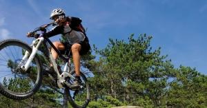 """<p>En région Provence-Alpes-Côte d'Azur, au coeur des Alpes de Haute-Provence, entre Digne-les-Bains, Sisteron et Manosque, le Val de Durance est un territoire de moyenne montagne, idéal pour la pratique du VTT et jouissant d'un climat exceptionnel toute l'année. Reconnu par la presse sp ......</p><div class=""""more""""><a href=""""http://ffct.org/randonner-a-velo/vtt/bases-vtt/alpes-de-haute-provence/val-de-durance/"""" target=""""_blank"""" title=""""Base VTT Val de Durance"""" >Lire la suite</a></div>"""