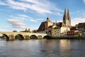 """<p>Date limite d'inscription : 15 avril 2016 Le Danube par l'Eurovélo 6 entre la source en Allemagne et Vienne en Autriche. Avec ses rives chargées d'histoire et de curiosités nature ......</p><div class=""""more""""><a href=""""http://ffct.org/randonner-a-velo/ou-quand-pratiquer/sejours-et-voyages/allemagne-autriche-2/"""" target=""""_blank"""" title=""""Allemagne – Autriche"""" >Lire la suite</a></div>"""