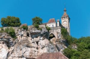 """<p>Découverte approfondie du Pays de Jacquou-le-Croquant, avec incursions en Quercy et en Guyenne, guidés par des moniteurs locaux. Outre les sites BCN/BPF, dix villages classés parmi les  ......</p><div class=""""more""""><a href=""""http://ffct.org/randonner-a-velo/ou-quand-pratiquer/sejours-et-voyages/deuxieme-etoile-perigord-quercy/"""" target=""""_blank"""" title=""""Deuxième étoile Périgord-Quercy"""" >Lire la suite</a></div>"""