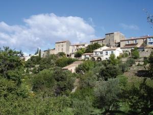 """<p>Au cœur du haut Vaucluse, laissez-vous guider autour de Vaison-la-Romaine, site BCN/BPF, côté Drôme provençale, où vous pourrez admirer les châteaux de Suze-la-Rousse et de Grignan, ain ......</p><div class=""""more""""><a href=""""http://ffct.org/randonner-a-velo/ou-quand-pratiquer/sejours-et-voyages/entre-haut-vaucluse-et-drome-provencale-4/"""" target=""""_blank"""" title=""""Entre Haut Vaucluse et Drôme provençale"""" >Lire la suite</a></div>"""