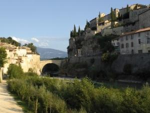 """<p>Découverte de sites touristiques du Vaucluse et de la Drôme Provençale : Vaison-la-Romaine, Fontaine-de-Vaucluse, Brantes, célèbre BPF, Montbrun-les-Bains… et les villages des grands cr ......</p><div class=""""more""""><a href=""""http://ffct.org/randonner-a-velo/ou-quand-pratiquer/sejours-et-voyages/le-geant-de-provence-et-ses-alentours-2/"""" target=""""_blank"""" title=""""Le géant de Provence et ses alentours"""" >Lire la suite</a></div>"""
