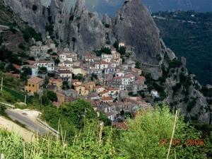 """<p>Depuis juin 2009, le massif des Dolomites est inscrit au patrimoine mondial de l'Unesco. Le paysage est généralement considéré comme l'un des plus beaux paysages de montagne du monde. V ......</p><div class=""""more""""><a href=""""http://ffct.org/randonner-a-velo/ou-quand-pratiquer/sejours-et-voyages/italie-5/"""" target=""""_blank"""" title=""""Italie"""" >Lire la suite</a></div>"""