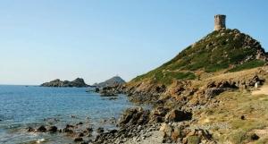 """<p>Un itinéraire tortueux à souhait pour ne rien perdre des hauts lieux touristiques de cette île magnifique. Séjour touristique avant tout, vous vous arrêterez pour admirer ces sites pitt ......</p><div class=""""more""""><a href=""""http://ffct.org/randonner-a-velo/ou-quand-pratiquer/sejours-et-voyages/corse-5/"""" target=""""_blank"""" title=""""Corse"""" >Lire la suite</a></div>"""