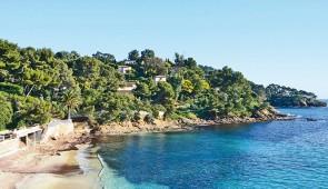"""<p>Venez profiter de la douceur de la Côte d'Azur et vous préparer pour les grandes randonnées d'été. Ambiance conviviale et joyeuse dans un véritable esprit cyclotouriste. Vous visiterez  ......</p><div class=""""more""""><a href=""""http://ffct.org/randonner-a-velo/ou-quand-pratiquer/sejours-et-voyages/les-merveilles-de-lest-varois/"""" target=""""_blank"""" title=""""Les merveilles de L'Est Varois"""" >Lire la suite</a></div>"""