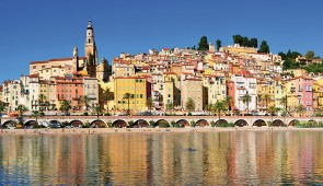 """<p>Entre l'Italie et la principauté de Monaco, Menton, est une cité luxuriante avec des jardins exceptionnels. La vallée de la Roya et l'arrière-pays mentonnais vous emmèneront vers des vi ......</p><div class=""""more""""><a href=""""http://ffct.org/randonner-a-velo/ou-quand-pratiquer/sejours-et-voyages/menton-perle-de-la-france/"""" target=""""_blank"""" title=""""Menton, perle de la France"""" >Lire la suite</a></div>"""