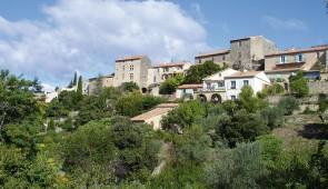 """<p>Laissez-vous guider autour de Vaison-la-Romaine, côté Drôme provençale, où vous pourrez admirer les châteaux de Suze-la-Rousse et de Grignan, ainsi que celui du Barroux à l'abri des den ......</p><div class=""""more""""><a href=""""http://ffct.org/randonner-a-velo/ou-quand-pratiquer/sejours-et-voyages/entre-haut-vaucluse-et-drome-provencal/"""" target=""""_blank"""" title=""""Entre Haut-Vaucluse et Drôme Provençal"""" >Lire la suite</a></div>"""