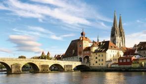 """<p>À la découverte du Danube par l'EuroVelo 6 de sa source en Allemagne à Vienne en Autriche. Avec ses rives chargées d'histoire et de curiosités naturelles, le Danube donne l'impression d ......</p><div class=""""more""""><a href=""""http://ffct.org/randonner-a-velo/ou-quand-pratiquer/sejours-et-voyages/allemagne-autriche/"""" target=""""_blank"""" title=""""Allemagne – Autriche"""" >Lire la suite</a></div>"""