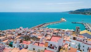 """<p>De vastes plages de sable fin et côtes rocheuses seront le décor de ce séjour. Vous découvrirez le nord de la communauté de Valence. Les """" Pla de Vinaros """" avec leurs cultures maraîchèr ......</p><div class=""""more""""><a href=""""http://ffct.org/randonner-a-velo/ou-quand-pratiquer/sejours-et-voyages/espagne/"""" target=""""_blank"""" title=""""Espagne"""" >Lire la suite</a></div>"""