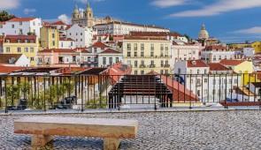 """<p> Découverte du nord du Portugal, partie la plus montagneuse. Neuf étapes où vous découvrirez le fado typique lors d'une soirée à Porto, Fatima, Sintra puis Lisbonne. Vous profiterez de  ......</p><div class=""""more""""><a href=""""http://ffct.org/randonner-a-velo/ou-quand-pratiquer/sejours-et-voyages/portugal/"""" target=""""_blank"""" title=""""Portugal"""" >Lire la suite</a></div>"""