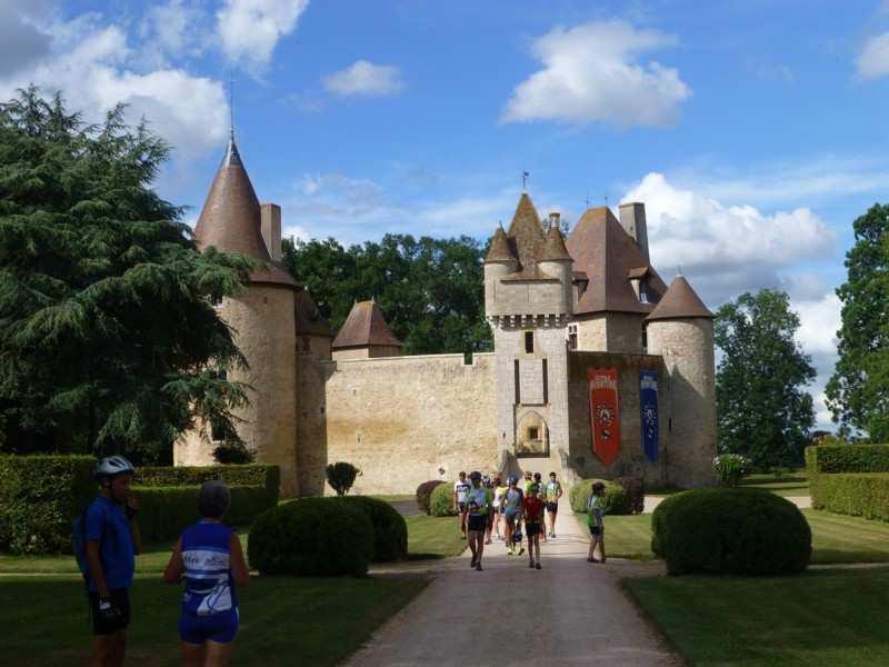 Le château de St-Pourçain:Besbre. BPF de l'Allier, Province du Bourbonnais. Photos G.Golse