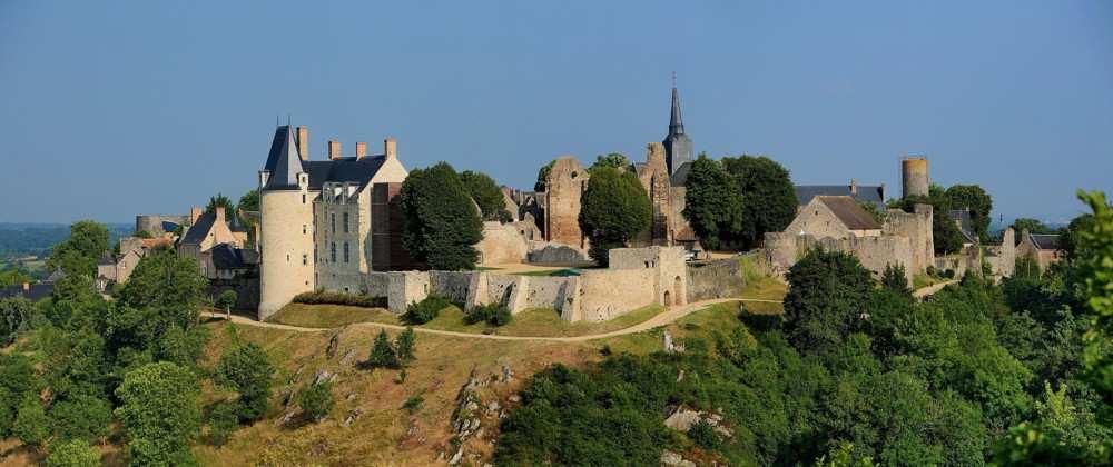 Le site de Sainte-Suzanne, BPF de la Mayenne, province du Maine