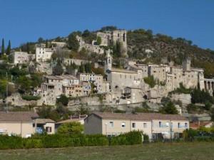 Le village de Montbrun-les-Bains.