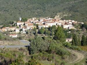 Les Corbières et le village de Duilhac, BPF de l'Aude.