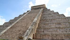 """<p>Vous partirez de Mexico pour rejoindre Cancun. Pays cosmopolite, issu du monde préhispanique, le Mexique évoque l'aventure, les fêtes joyeuses et colorées ainsi que les révolutions. Vou ......</p><div class=""""more""""><a href=""""https://ffvelo.fr/randonner-a-velo/ou-quand-pratiquer/sejours-et-voyages/mexique/"""" target=""""_blank"""" title=""""Mexique"""" >Lire la suite</a></div>"""