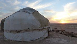 """<p>Ce voyage d'environ 1 300 kilomètres à vélo, entrecoupé par des liaisons en véhicules d'assistance à travers les chaînes de montagnes, les vallées isolées et les plateaux verdoyants, vo ......</p><div class=""""more""""><a href=""""https://ffct.org/randonner-a-velo/ou-quand-pratiquer/sejours-et-voyages/ouzbekistan-2/"""" target=""""_blank"""" title=""""Ouzbékistan"""" >Lire la suite</a></div>"""