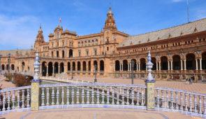 """<p>Tourisme et vélo en huit étapes en Andalousie. Venez découvrir la diversité des paysages, du patrimoine et des coutumes du sud de l'Espagne. Vous visiterez les différents sites typiques ......</p><div class=""""more""""><a href=""""https://ffvelo.fr/randonner-a-velo/ou-quand-pratiquer/sejours-et-voyages/espagne-3/"""" target=""""_blank"""" title=""""Espagne"""" >Lire la suite</a></div>"""