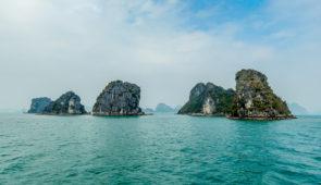 """<p>Arrivée à Hanoï, transfert à La Ferme du Col vert, où vous serez immédiatement « immergés » dans une des ethnies du nord : les Muongs. Ce sera ensuite, le contact rapproché avec d'autre ......</p><div class=""""more""""><a href=""""https://ffct.org/randonner-a-velo/ou-quand-pratiquer/sejours-et-voyages/vietnam-nord/"""" target=""""_blank"""" title=""""Vietnam nord"""" >Lire la suite</a></div>"""