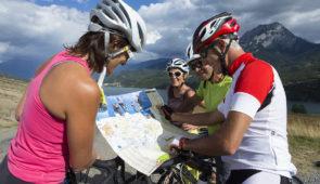 """<p>Une formule sans sorties vélo où vous serez formé aux nombreux outils numériques accessibles sur Internet qui permettent de préparer vos sorties clubs ou vos voyages itinérants. Nous vo ......</p><div class=""""more""""><a href=""""https://ffct.org/randonner-a-velo/ou-quand-pratiquer/sejours-et-voyages/creez-vos-rando-guides/"""" target=""""_blank"""" title=""""Créez vos rando-guides !"""" >Lire la suite</a></div>"""