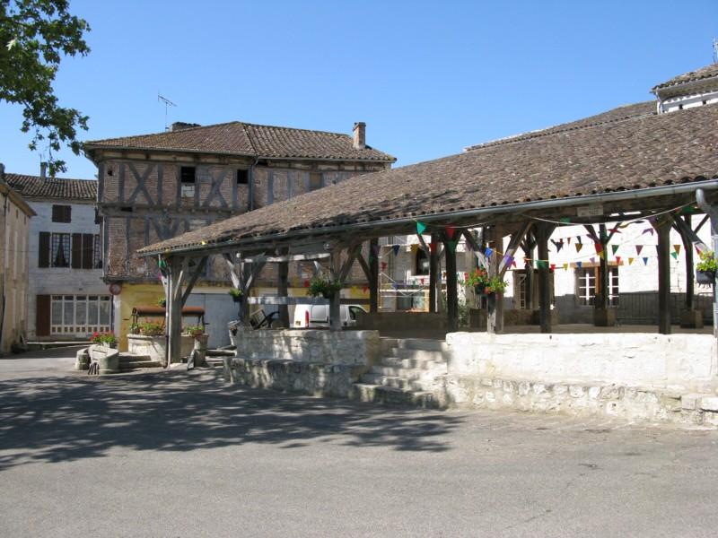 Saint-Maurin, la halle (c) JL Rougier