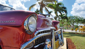 """<p>Fin novembre – Début décembre ** C'est à vélo, au rythme des locaux, que nous vous invitons à découvrir Cuba ! Réputé pour ses cigares, son rhum, ses voitures de collection aux co ......</p><div class=""""more""""><a href=""""https://ffvelo.fr/randonner-a-velo/ou-quand-pratiquer/sejours-et-voyages/cuba-3/"""" target=""""_blank"""" title=""""Cuba"""" >Lire la suite</a></div>"""