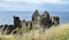 """<p>Transport maritime au départ de Roscoff dans le Finistère pour arriver à Cork où débutera votre séjour itinérant avec la découverte de la verte Erin. Trois axes de découverte : Le Kerry ......</p><div class=""""more""""><a href=""""https://ffvelo.fr/randonner-a-velo/ou-quand-pratiquer/sejours-et-voyages/irlande-4/"""" target=""""_blank"""" title=""""Irlande"""" >Lire la suite</a></div>"""