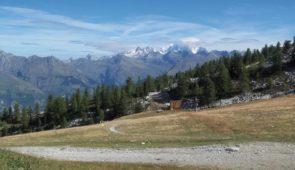 """<p>   POINTS FORTS ♥ ✓ La beauté de l'Auvergne verte. ✓ Site volcanique.  ✓ Un environnement préservé et mystérieux.    Entrez, vous êtes les bienvenus ! Les Combrailles sont ......</p><div class=""""more""""><a href=""""https://ffvelo.fr/randonner-a-velo/ou-quand-pratiquer/sejours-et-voyages/7e-raid-vtt-inter-bases/"""" target=""""_blank"""" title=""""7e Raid VTT inter Bases"""" >Lire la suite</a></div>"""