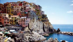 """<p>   POINTS FORTS ♥ ✓ De petites routes tranquilles. ✓ Un paysage unique. ✓ Découvertes culturelles et richesse gastronomique.    Une expérience extraordinaire vous attend. Vous dé ......</p><div class=""""more""""><a href=""""https://ffvelo.fr/randonner-a-velo/ou-quand-pratiquer/sejours-et-voyages/italie-22/"""" target=""""_blank"""" title=""""Italie"""" >Lire la suite</a></div>"""