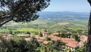 """<p>   POINTS FORTS ♥ ✓ Paysages et routes magnifiques.  ✓ Richesse culturelle.  ✓ Gastronomie exceptionnelle.    Des collines au littoral de la Toscane. Venez vivre une expérience i ......</p><div class=""""more""""><a href=""""https://ffvelo.fr/randonner-a-velo/ou-quand-pratiquer/sejours-et-voyages/italie-18/"""" target=""""_blank"""" title=""""Italie"""" >Lire la suite</a></div>"""