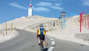 """<p>   POINTS FORTS ♥ ✓ Le Mont Ventoux. ✓ La Nesque.  ✓ La vallée du Toulourenc.    Laissez-vous guider par des encadrants locaux sur les routes du Vaucluse et de la Drôme. Les circ ......</p><div class=""""more""""><a href=""""https://ffvelo.fr/randonner-a-velo/ou-quand-pratiquer/sejours-et-voyages/mont-ventoux-aux-monts-de-vaucluse/"""" target=""""_blank"""" title=""""Mont Ventoux aux monts de Vaucluse"""" >Lire la suite</a></div>"""