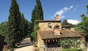 """<p>   POINTS FORTS ♥ ✓ Des routes superbes. ✓ Un paysage magnifique. ✓ Une gastronomie exceptionnelle.    Les charmes de la Toscane. Un terrain naturel extraordinaire, vous roulerez ......</p><div class=""""more""""><a href=""""https://ffvelo.fr/randonner-a-velo/ou-quand-pratiquer/sejours-et-voyages/italie-17/"""" target=""""_blank"""" title=""""Italie"""" >Lire la suite</a></div>"""
