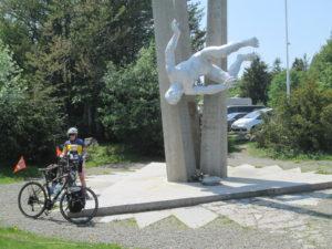 Ballon d'Alsace, le monument à la mémoire des démineurs.