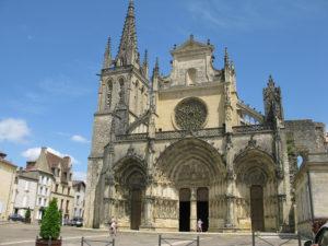 La cathédrale de Bazas.