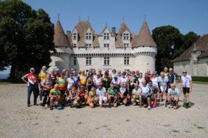 Ultime photo de groupe devant le château de Monbazillac.