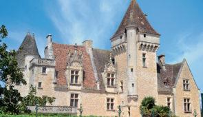 """<p>Situé à proximité de Sarlat, le village vacances sera le point de départ de superbes parcours. Vous logerez au coeur d'un parc boisé et profiterez du confort et du calme des chalets en  ......</p><div class=""""more""""><a href=""""https://ffvelo.fr/randonner-a-velo/ou-quand-pratiquer/sejours-et-voyages/perigord-noir-2/"""" target=""""_blank"""" title=""""Périgord noir"""" >Lire la suite</a></div>"""