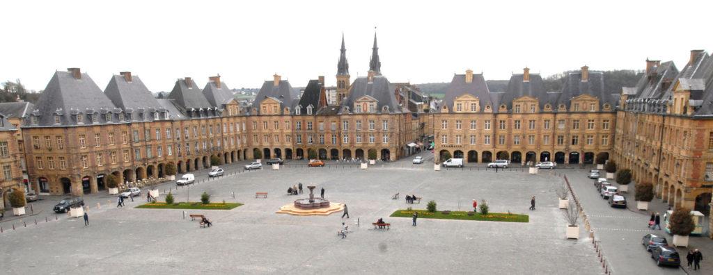 Charleville-Mézières, la place Ducale. © H. Dunan.