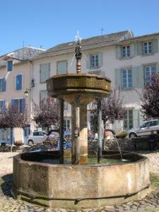 La fontaine des pisseurs, à Ambialet, BPF 81 © G.Gourmelen