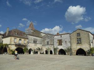 La bastide de Monpazier, BPF 24