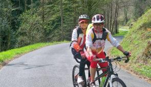 """<p>Ce séjour Tourisme et Handicap vous est proposé par la commission « Sport pour tous» du Comité régional de cyclotourisme d'Auvergne-Rhône-Alpes et se déroulera au Centre nature «Quatr ......</p><div class=""""more""""><a href=""""https://ffvelo.fr/randonner-a-velo/ou-quand-pratiquer/sejours-et-voyages/tourisme-et-handicap/"""" target=""""_blank"""" title=""""Tourisme et Handicap"""" >Lire la suite</a></div>"""